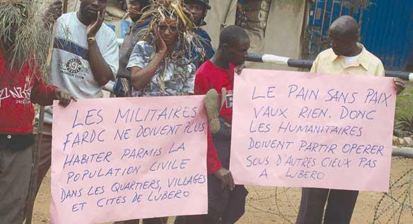 Des mai-mai dans une barrière au Nord-Kivu