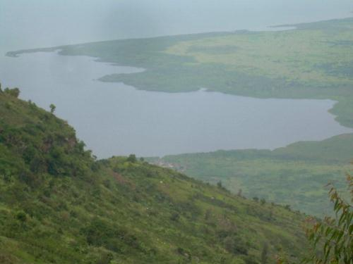Lac_Edouard_vu_de__Kamandi