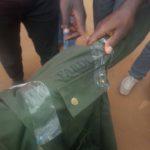 Tenue militaire des FARDC saisie sur des immigrants Hutu allant vers Beni et Ituri